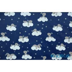 Króliki na chmurkach na granatowym tle - tkanina bawełniana