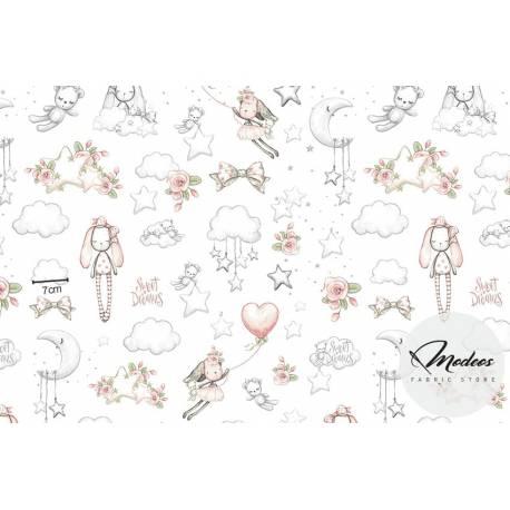 Tkanina w króliki, misie i chmurki na białym tle - materiał bawełna