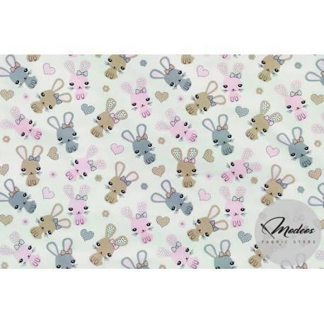 Tkanina króliki i serca na białym tle - materiał bawełna