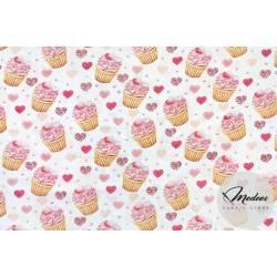 Tkanina w babeczki muffinki serduszka - materiał bawełna