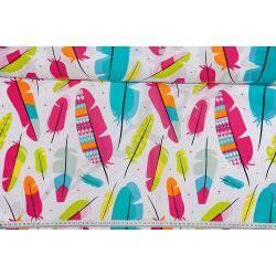 Kolorowe piórka na białym tle - tkanina bawełniana