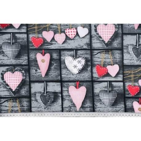 Serca czerwone na deskach tkanina bawełna