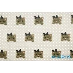 Koty, kotki z kokardą na tle w groszki, kropki - tkanina bawełniana