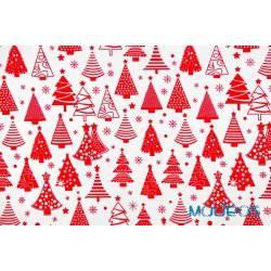 Czerwone choinki na białym tle - tkanina świąteczna