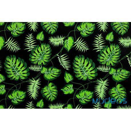 Zielone liście palmy monstera na czarnym - tkanina bawełniana
